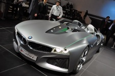 Женева 2011: BMW Vision ConnectedDrive Concept