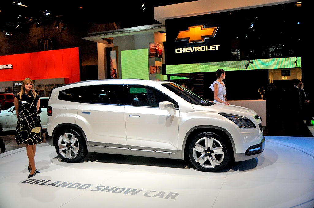 chevrolet orlando concept. Black Bedroom Furniture Sets. Home Design Ideas